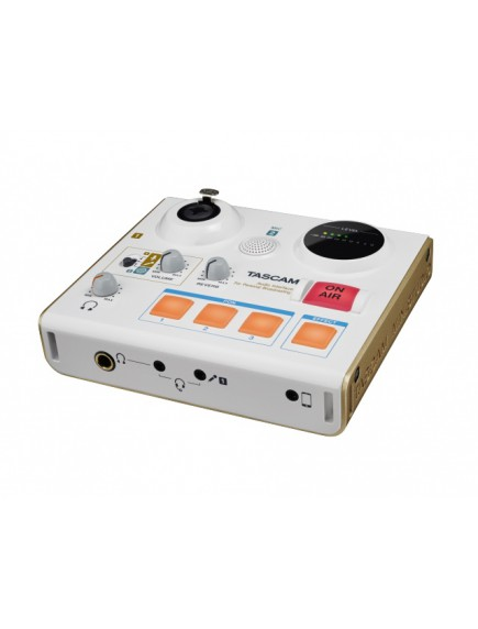 Tascam US-32 broadcast studio