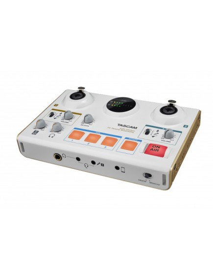 Tascam US-42 broadcast studio
